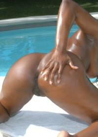 Super hot ebony babe takes it in that sexy round and brown ass