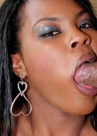 Horny ebony ready to give a sloppy blowjob to one lucky dude